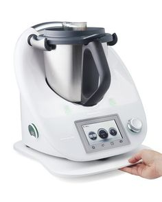 This helpful guide to converting recipes for Thermomix really help you understanding how your favourite baking recipes work with the Thermi. Thermomix Recipes Healthy, Oven Recipes, Cooker Recipes, Gourmet Recipes, Baking Recipes, Kitchen Recipes, Pain Thermomix, Thermomix Bread, How To Convert A Recipe