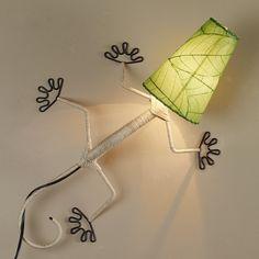Eco Gecko Sconce with Leaf Shade