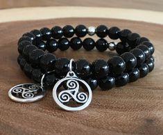Triskele & Onyx Couple Bracelets, Celtic Symbols, Bracelet Sizes, Bohemian Jewelry, Decoration, Sterling Silver Rings, Collaboration, Best Gifts, Creations