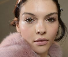 What all beauty addicts need to know about mascara! Find out what we have for you: https://www.sweetcare.pt/c/makeup/olhos/mascaras