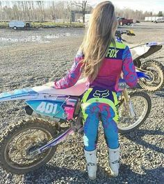 Motocross Love, Motocross Girls, Motocross Gear, Lady Biker, Biker Girl, Dirt Bike Gear, Dirt Biking, Bike Photography, Dirtbikes