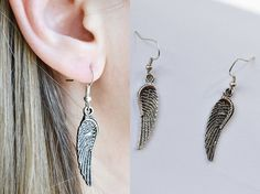 Shop put  favorites, we often have discounts and promotions! Pls, keep an eye on the store - https://www.etsy.com/ru/shop/EarringsEarcuffs      I make a gift with every order :)        In last year's summer season earrings with natural feathers were really at the peak of popularity. Delicate flutter in the wind gave them the image of lightness and delicate femininity. But today, more extravagant look decoration in the form of real bird wings. The photo set of earrings representing the wings…