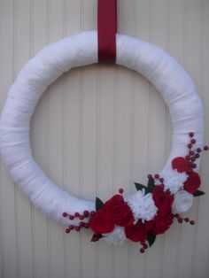 christmas yarn wreaths   Christmas Yarn Wreath in Red & White by ATPitman on Etsy