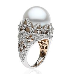 """Autore Venezia """"Doge Palace Reflection"""" ring in white and rose gold, with a South Sea pearl and diamonds."""
