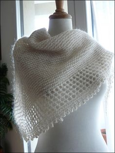 Mousseux - this pattern started as a KAL - there is a french and an english version - excellent explanations - by Organdi Bidouille