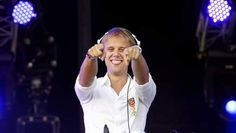 Armin van Buuren in Chicago. I would have raped a wild pack of monkeys to be at this show Trance Music, Best Dj, Armin Van Buuren, Dutch Artists, Electronic Music, Music Is Life, Edm, Beautiful People, Handsome