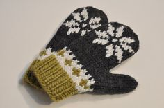 Hand Knit  Snowflake Mittens - Let it Snow.