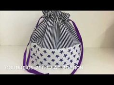 Coudre un petit sac pochon - Tuto Couture Madalena, Baby Couture, Couture Sewing, Sewing Online, Diy Bags Purses, Diy Handbag, Drawstring Backpack, Crochet, Youtube, Pattern