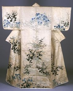 Kosode kimono of flowering plants of autumn on white ground. Hand painted by OGATA Korin, 1721