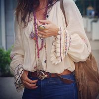 I have just bought these pair of jeans and I have to say that they are my fav now in my closet! Barcelona Fashion, Boho Chic, Bohemian Mode, Boho Kimono, Boho Dress, Bohemian Schick, 70s Shirts, Moda Boho, Chic Outfits