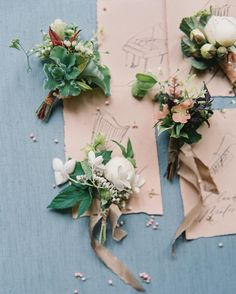 Petite, elegant bundles of blooms, as seen on Once Wed. Floral Design: @naturecomposed | Photo: @lauragordon |