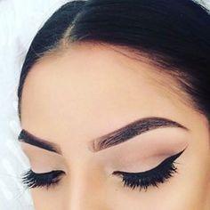 Eyebrows on Instagram: | Makeup On Instagram Vs. Makeup In Real Life