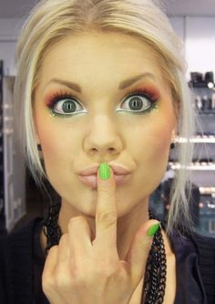 Now thats some crazy makeup but it works