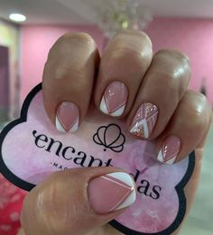 Sexy Nails, Hot Nails, Fancy Nails, Pretty Nails, Hot Nail Designs, Gold Glitter Nails, Short Nails Art, Pin On, Pastel Nails