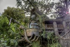 Here was the latest addition to our Weird House Wednesday pictures! Can you help caption this unique home?