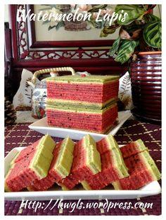 Water Melon Layered cake (Lapis tembikai or 西瓜千层蛋糕) #guaishushu #kenneth_goh      #watermelon  #lapis  #千层蛋糕