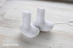 Crochet Smurf pattern - legs