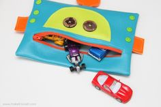 Robot Zipper Mouth Pencil Case {boy version} | Make It and Love It