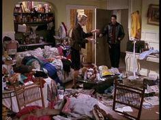 15. Ela foi até o apartamento da ex-peguete do irmão apenas porque não conseguia dormir pensando na bagunça que ele tinha descrito.