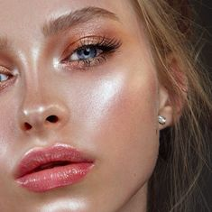 The 5 Best Stick Highlighters For The Perfect Face Glow-Up #glowup #highlighters #highlighter #highlightstick #highlightingstick #makeupsticks #makeupglow https://www.makeup.com/beauty-question-how-to-set-dewy-makeup