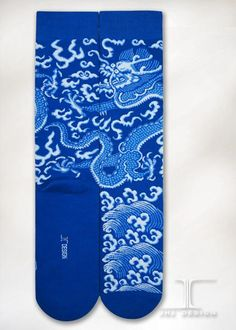 Dragon - Blue and White Dragon | JHJ Design - The Art of Wearing Socks