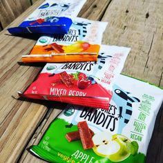 #Healthy organic #snacking made easy.  Head over to amazon and check out our #backtoschool #discounts!! @NaturesBandits #fruitsnacks are always #organic #glutenfree #nongmo #kosher #lowcalorie #vegan & #nutfree