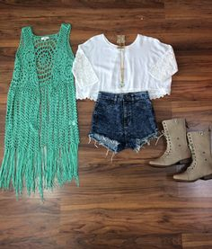 This mint cardigan is a great transitional piece to have in your closet as the back to school shopping begins and fall weather commences!
