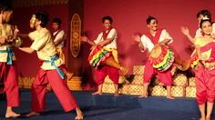 Cambodia Folk Dance http://cambodiahotels.info/featured/watching-cambodian-art-performance.html