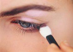 28 trucos para maquillar tus ojos que debes tener en cuenta  http://www.upsocl.com/mujer/28-trucos-para-maquillar-tus-ojos-que-debes-tener-en-cuenta/