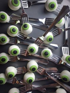 Your Halloween party needs these Eyeball Cake Pops.