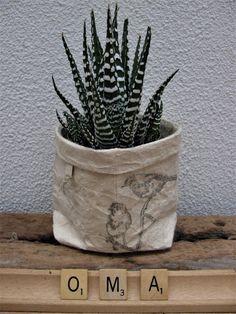 """""""planten"""" zakjes, gemaakt van melk/sap pakken #recycling#oldmadeawesome"""