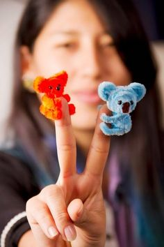 """Gall…""""> Favorite material of the month: Chenilles / pipe cleaner / pipe cleaner Alpha. Pipe Cleaner Projects, Pipe Cleaner Art, Pipe Cleaner Animals, Crafts With Pipe Cleaners, Diy Cleaners, Cute Crafts, Creative Crafts, Crafts To Sell, Easy Crafts"""