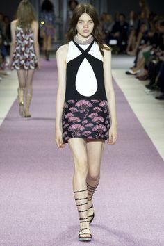 Giambattista Valli Spring 2016 Ready-to-Wear Collection - Vogue