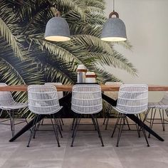 Our wallpaper Leaf Love looks amazing in this lunchroom.