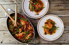 Cacciatore-Style Boneless Chicken One-Pot with Green Beans.