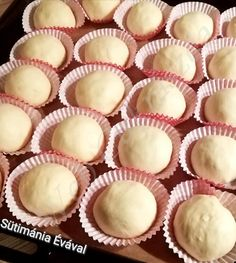 Veggie Muffins, The Slow Roasted Italian, Orange Food Coloring, Cake Recipes, Dessert Recipes, Best Pasta Salad, Melting White Chocolate, Friend Recipe, Creamy Sauce