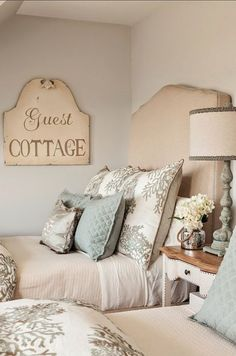 Bella Pinque Cottage — French Cottage guest room.