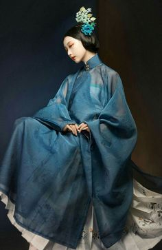 의상 Nail Polish nail polish 5 below Geisha, Traditional Fashion, Traditional Dresses, Chinese Clothing Traditional, Oriental Fashion, Asian Fashion, Hanfu, Cheongsam, Chinese Style