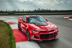 What price (track) glory? Chevy publishes 2017 Camaro ZL1 and 1LE pricing and specs