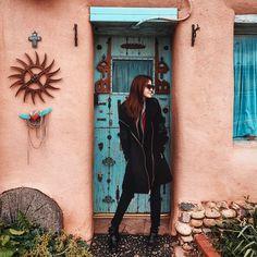 """16.5 mil curtidas, 52 comentários - Janaína Isabel (@janamake) no Instagram: """"Taos Pueblo e suas casinhas charmosas de Adobe! O frio pegou a gente de vez aqui hein? Sai do…"""""""