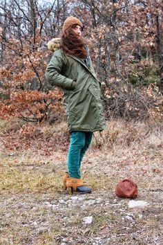 yamagirls outfit idea brown and green,  #parka #military #velvet #green #boots #wooded #watch #bijoux #bracelet #buttons #pochette #vintage #brown #fashionblog #fashionblogger #outfit #yamagirls  @monkiworld