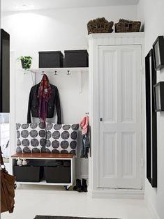 con armario y banco