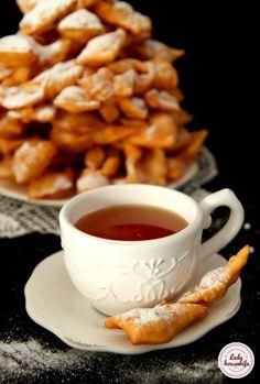 Faworki, które zawsze się udają Gourmet Recipes, Cooking Recipes, Healthy Recipes, Chrusciki Recipe, Hazelnut Butter, Sweet Little Things, Good Morning Coffee, Polish Recipes, Holiday Baking