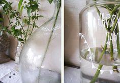 pots en verre décorés aux feutres posca