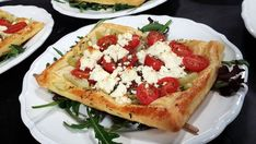 Småpajer med tomat, fänkål och feta