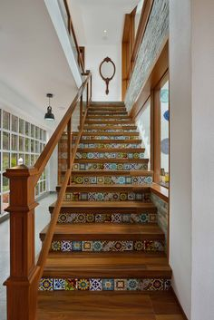 The Most beautiful staircase design much wooden and traditional Flooring For Stairs, Concrete Stairs, Exposed Concrete, Entryway Stairs, House Stairs, Villa Design, House Design, Stair Art, Building Stairs