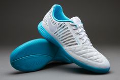 Nike-Footballl-Boots-Nike-Lunargato-II-Indoor-Soccer-Cleats-WhiteMetallic-SilverGamma-Blue