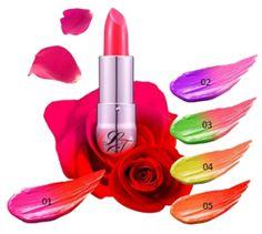 Lioele® L'Cret Miracle Magie Lippenstift ist ein personalisierter super-lang anhaltender Lippenstift, der sich beim Auftragen farblich verändert. Die zartschmelzende Textur haftet gut und klebt nicht, zudem riecht jeder Lippenstift auf seine Art einfach traumhaft. Der Lippenstift schützt Ihre Lippen vor schädlichen UV-Strahlen mit Lichtschutzfaktor 14.