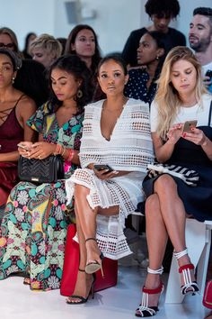 Karrueche Tran Photos Photos - Model Karrueche Tran attends the Reem Acra fashion show during New York Fashion Week September 2016 on September 13, 2016 in New York City. - Reem Acra - Front Row - September 2016 - New York Fashion Week