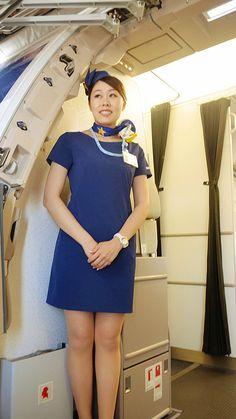 img_0 (675×1200) Stewardess Costume, Airline Uniforms, Flight Attendant Life, Intelligent Women, Airline Flights, Cabin Crew, Attendance, Sexy Stockings, In Pantyhose
